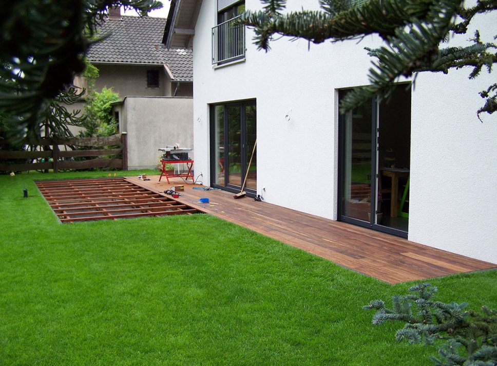 Terrasse aus Walaba (Stauseeholz)